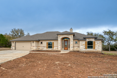 Bandera Single Family Home For Sale: 523 Star Dr
