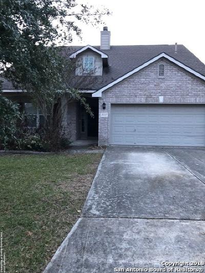 Single Family Home Active Option: 26427 Walden Oak