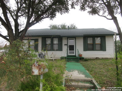 Floresville TX Single Family Home For Sale: $200,000