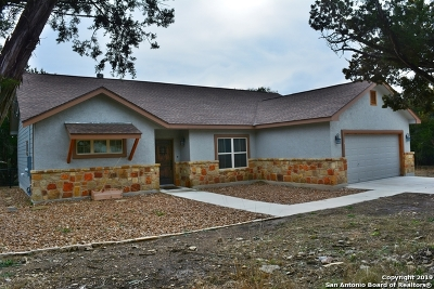 Canyon Lake Single Family Home For Sale: 272 Colt Dylan Dr