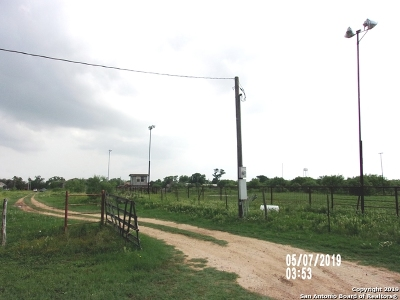 Atascosa County Farm & Ranch For Sale: 1866 E Fm 476