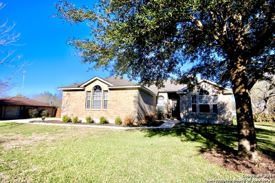 Floresville TX Single Family Home New: $267,900
