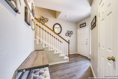 Bexar County Single Family Home For Sale: 706 Point Creek