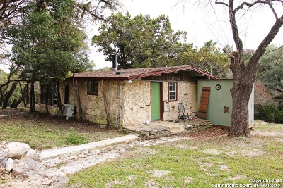 Pipe Creek Single Family Home For Sale: 151 Choctaw Trail