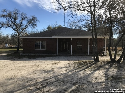 San Antonio Single Family Home For Sale: 445 Spur Ridge