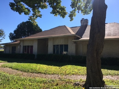 Guadalupe County Single Family Home Active Option: 3506 Wimbledon Dr