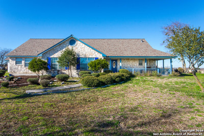 Guadalupe County Farm & Ranch For Sale: 588 NW Glory Ln.