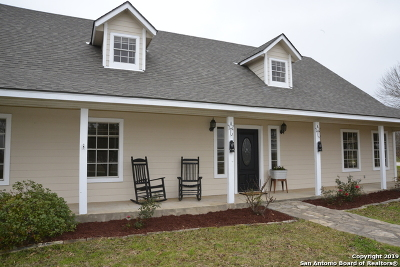Castroville Single Family Home New: 205 County Road 480