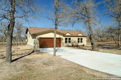 La Vernia Single Family Home New: 229 Great Oaks Blvd