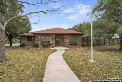 Schertz Single Family Home For Sale: 116 Dearborn Dr