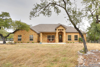 New Braunfels Single Family Home Active Option: 716 Shady Hollow
