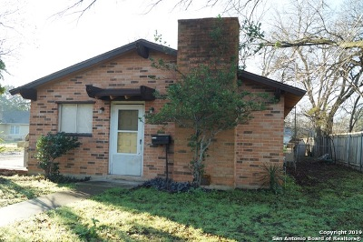 Seguin Multi Family Home New: 963 E Humphreys St