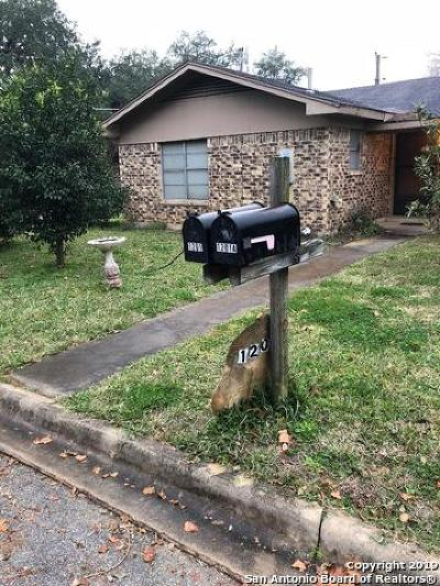 Atascosa County Multi Family Home New: 1201 Gillette St