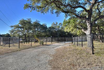 Pipe Creek Multi Family Home For Sale: 1458 Rio Ranchero