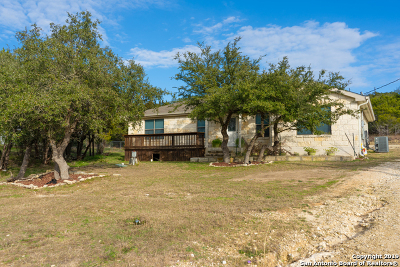 Canyon Lake Single Family Home For Sale: 815 Lasso Loop