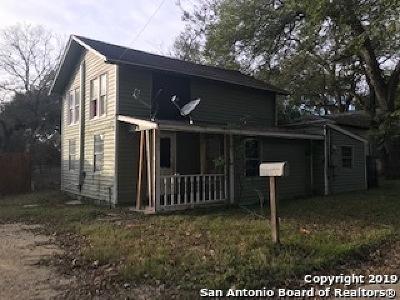 Seguin Single Family Home For Sale: 772 Robert St