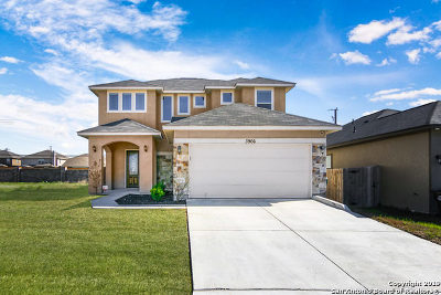 Single Family Home Active Option: 3966 Bogie Way