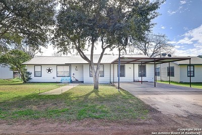 Jourdanton Single Family Home Active Option: 810 Orange Street