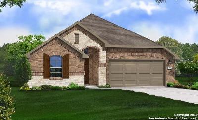 Schertz Single Family Home For Sale: 2805 Red Tip