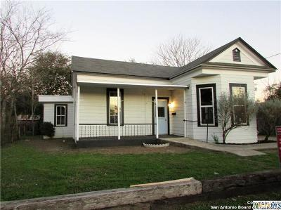 Seguin Single Family Home Active Option: 107 Saunders St