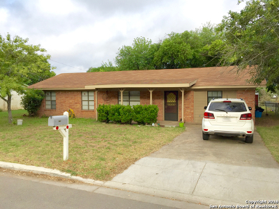 Atascosa County Single Family Home For Sale: 727 High Meadow Dr