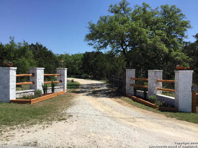 Comal County Single Family Home For Sale: 500 Pfeiffer Rd