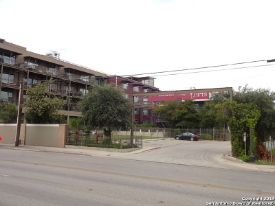 Condo/Townhouse Price Change: 831 S Flores St #2403