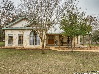 Boerne Single Family Home For Sale: 707 Cypress Bend Dr