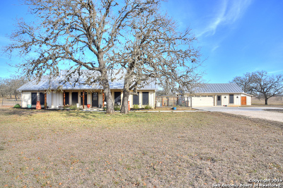 Bandera County Single Family Home For Sale: 1004 Orchard Park Blvd