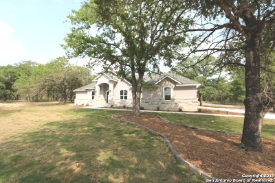 Adkins Single Family Home For Sale: 181 Bobby Lynn Dr