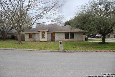 New Braunfels Single Family Home For Sale: 922 Lazy Trail