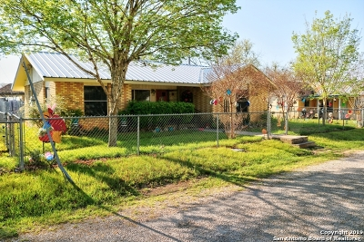Bandera County Single Family Home For Sale: 155 Parker St