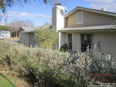 Boerne Single Family Home New: 8 E Fabra Ln
