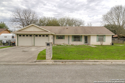 New Braunfels Single Family Home New: 1218 Clearwater Dr