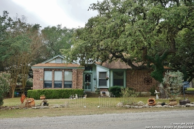 Boerne Single Family Home New: 102 Arrowhead Ln
