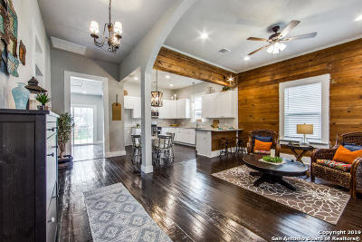 Single Family Home For Sale: 304 Regina St