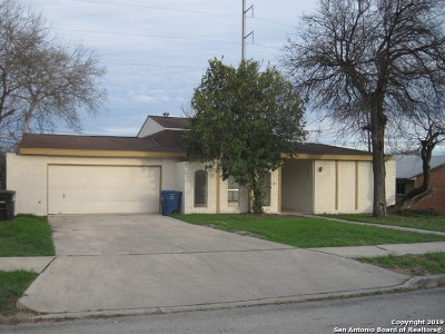 Single Family Home New: 2302 Town Gate Dr