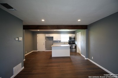Single Family Home Active Option: 1730 Point West St