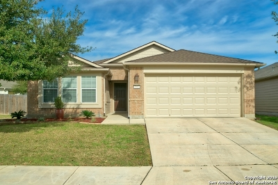 Schertz Single Family Home New: 555 Planters Pass