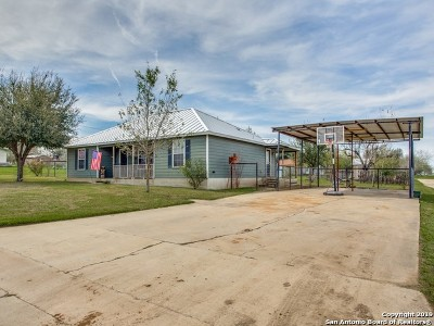 Atascosa County Single Family Home New: 94 Burnett Ave