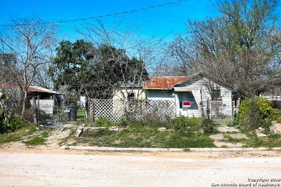 Atascosa County Single Family Home New: 362 Avenue J