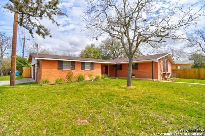Kerrville Single Family Home Active Option: 500 Antler Dr.