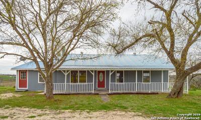 Seguin Single Family Home New: 709 Prairie Hill