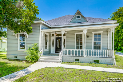 Seguin Single Family Home Active Option: 1411 Austin St