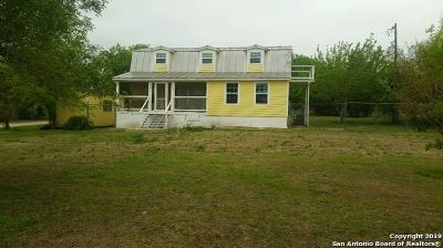 Guadalupe County Single Family Home New: 697 Sassman