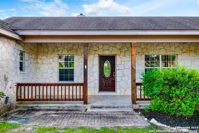 La Vernia Single Family Home New: 1440 Country Hills Drive