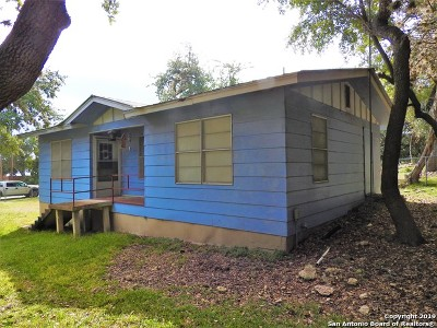 Lakehills TX Single Family Home Active Option: $95,000
