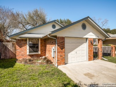 New Braunfels Single Family Home For Sale: 746 Briarbend Dr