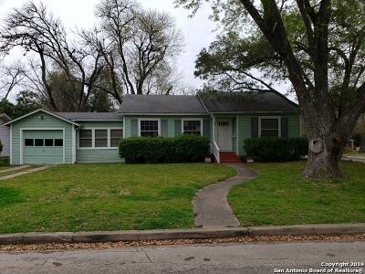 Seguin Single Family Home For Sale: 1026 E Humphreys