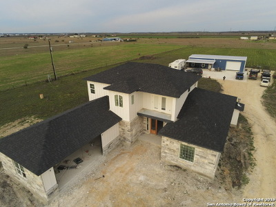 New Braunfels Single Family Home For Sale: 1877 Pieper Rd